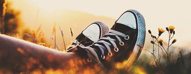 wallpaper-sneakers-photo-tn